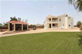Image No.1-Villa / Détaché de 4 chambres à vendre à Xylofagou