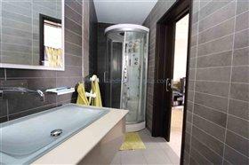 Image No.26-Villa / Détaché de 4 chambres à vendre à Xylofagou