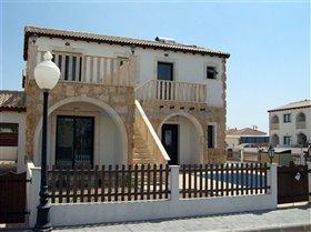 Image No.0-Maison de 3 chambres à vendre à Vrysoules