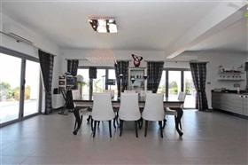 Image No.9-Villa / Détaché de 4 chambres à vendre à Kokkines