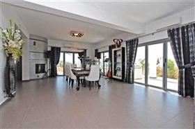 Image No.10-Villa / Détaché de 4 chambres à vendre à Kokkines