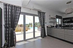 Image No.12-Villa / Détaché de 4 chambres à vendre à Kokkines