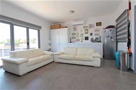 Image No.18-Villa / Détaché de 4 chambres à vendre à Kokkines