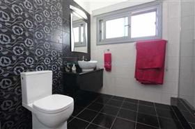 Image No.27-Villa / Détaché de 4 chambres à vendre à Kokkines