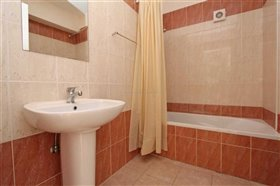 Image No.10-2 Bed Apartment for sale