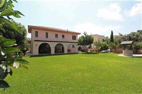 Image No.0-Villa / Détaché de 5 chambres à vendre à Paralimni