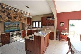 Image No.11-Villa / Détaché de 5 chambres à vendre à Paralimni