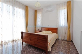 Image No.14-5 Bed Villa / Detached for sale