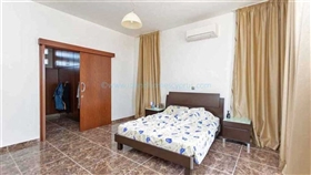 Image No.19-5 Bed Villa / Detached for sale