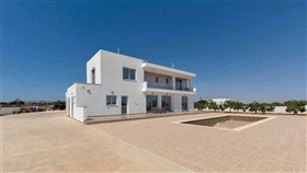 Image No.23-5 Bed Villa / Detached for sale