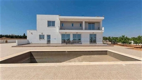 Image No.2-5 Bed Villa / Detached for sale