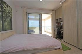 Image No.25-7 Bed Villa / Detached for sale