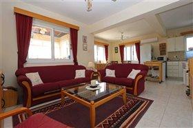 Image No.1-Villa / Détaché de 2 chambres à vendre à Ayia Thekla
