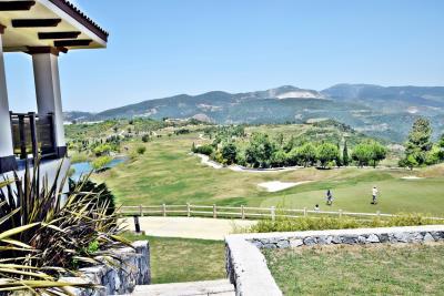 Golf-Resort---4-