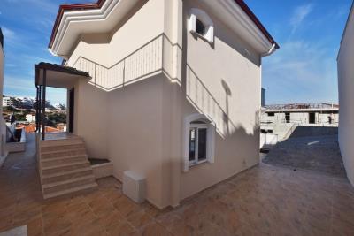 Akbuk-Choda-big-villa--5-