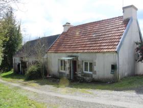Locarn, Cottage