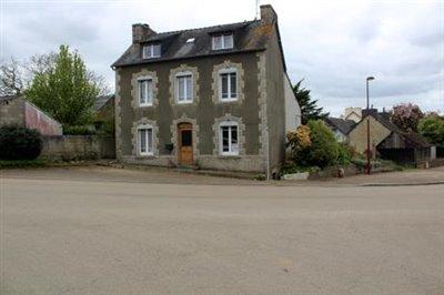 1 - Plouyé, House