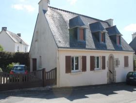 Mûr-de-Bretagne, House