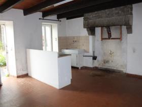 Image No.2-Chalet de 2 chambres à vendre à Maël-Pestivien