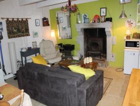 Image No.2-Chalet de 1 chambre à vendre à Maël-Pestivien