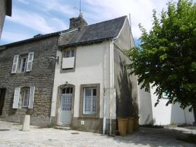 Guémené-sur-Scorff, House