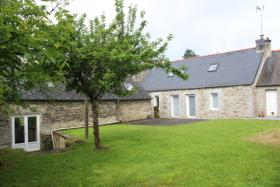 Corlay, Cottage