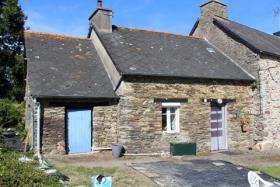 Saint-Martin-des-Prés, Cottage