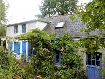1 - Séglien, Cottage