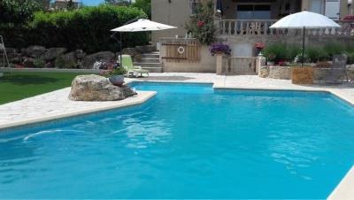 outside-pool2