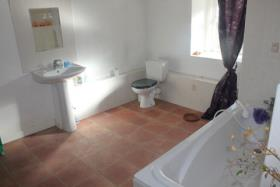 Image No.6-Chalet de 1 chambre à vendre à Plougonver