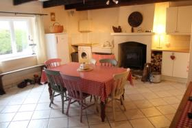 Image No.2-2 Bed Country House for sale