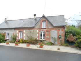 Image No.0-Maison de village de 2 chambres à vendre à Barenton