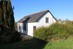 Image No.0-Chalet de 2 chambres à vendre à Locarn