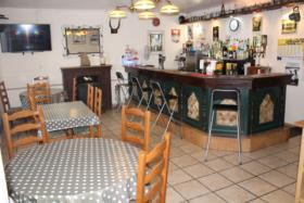 Image No.2-3 Bed Bar for sale