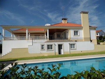 1 - Tomar, Villa