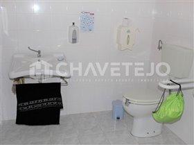 Image No.9-Commercial de 4 chambres à vendre à Carregueiros