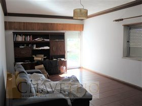 Image No.11-Commercial de 4 chambres à vendre à Carregueiros