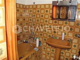 Image No.12-Commercial de 4 chambres à vendre à Carregueiros