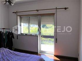 Image No.13-Commercial de 4 chambres à vendre à Carregueiros