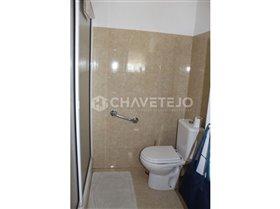 Image No.14-Commercial de 4 chambres à vendre à Carregueiros