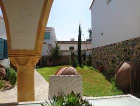 Lefkosia, Villa