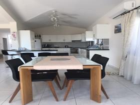 Image No.4-Maison / Villa de 4 chambres à vendre à Peyia