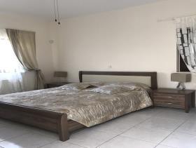 Image No.12-Maison / Villa de 4 chambres à vendre à Peyia