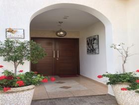 Image No.2-Maison / Villa de 4 chambres à vendre à Peyia