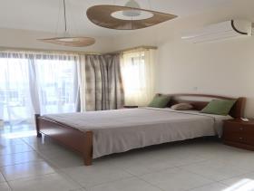 Image No.11-Maison / Villa de 4 chambres à vendre à Peyia