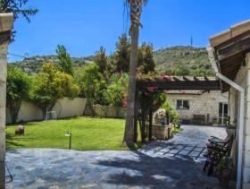 Image No.2-Villa / Détaché de 10 chambres à vendre à Goudhi