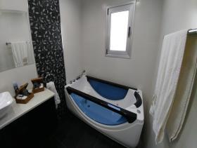 Image No.10-Villa de 4 chambres à vendre à Limassol