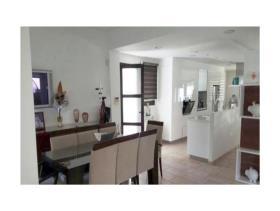 Image No.4-Maison / Villa de 6 chambres à vendre à Aradippou