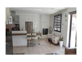 Image No.2-Maison / Villa de 6 chambres à vendre à Aradippou