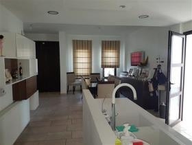 Image No.9-Maison / Villa de 6 chambres à vendre à Aradippou